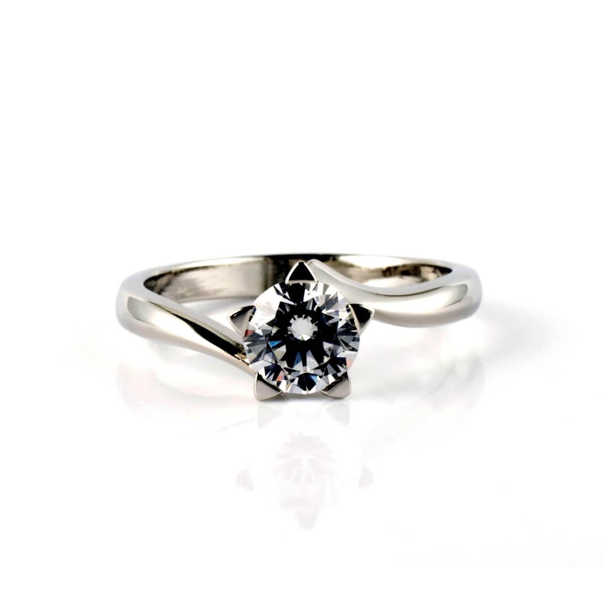 platinum-and-diamond-star-ring-tiny