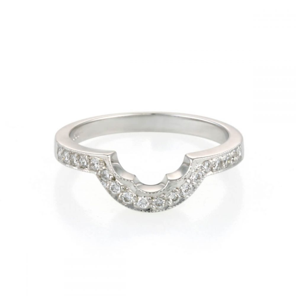 9ct White gold Grain Set Diamond Shaped Wedding Ring
