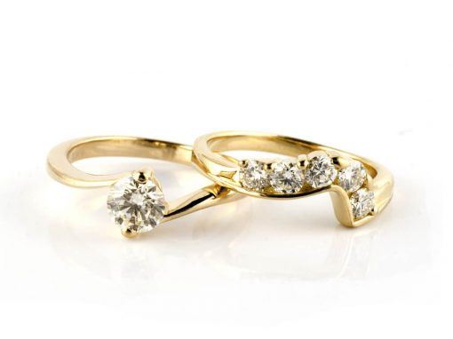 18ct Yellow Gold & Diamond Fitted Wedding Ring