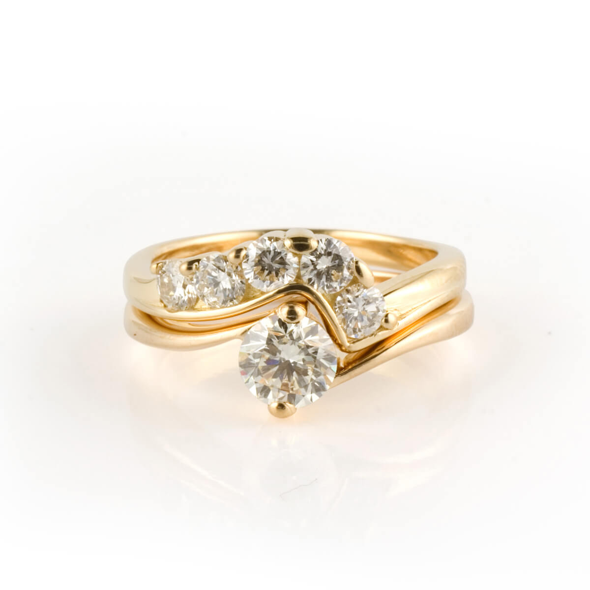 18ct yellow gold and diamond fitted wedding ring 2